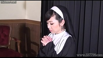 pathroom sister japanese spy in brother Big clit large labia and squirt girl