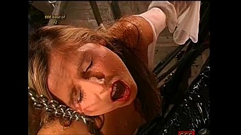 pissed on gang wife banged and Videos de virgenes porno
